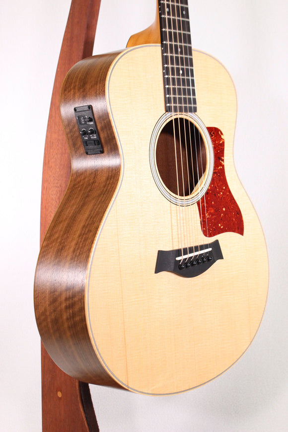 Taylor GS Mini-e LTD Figured Walnut - 2018 Road Show Model