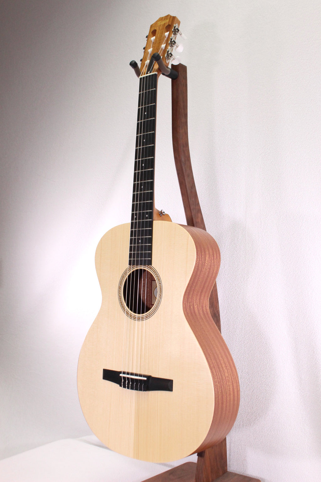 taylor academy 12 n nylon string acoustic guitar strings and things music store. Black Bedroom Furniture Sets. Home Design Ideas