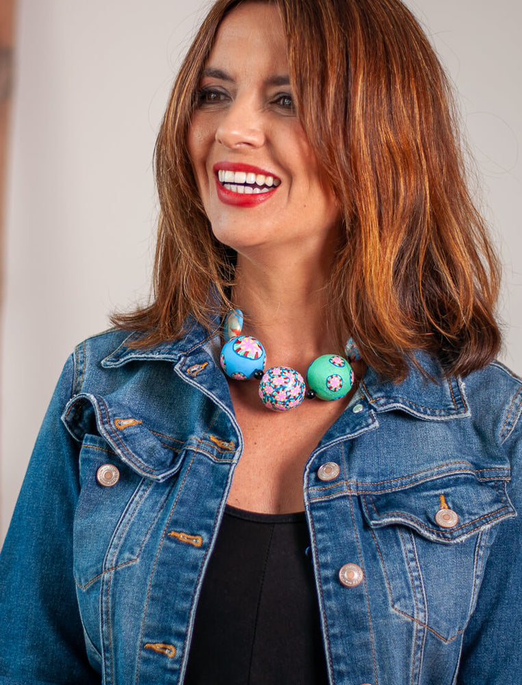 One by Trart Collar 10 -  Beads Azules y Verdes