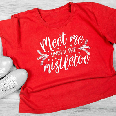 Leanne & Co. Shirt Meet Me Under the Mistletoe Short-Sleeve Unisex T-Shirt