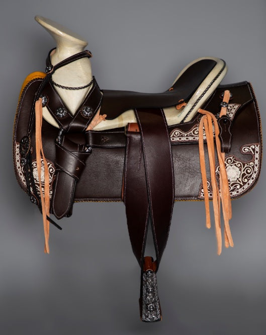MEXICAN CHARRO SADDLE WITH AMERICAN LEATEHR AND PITA ART WORK , HerraduraDeOro - HerraduraDeOro