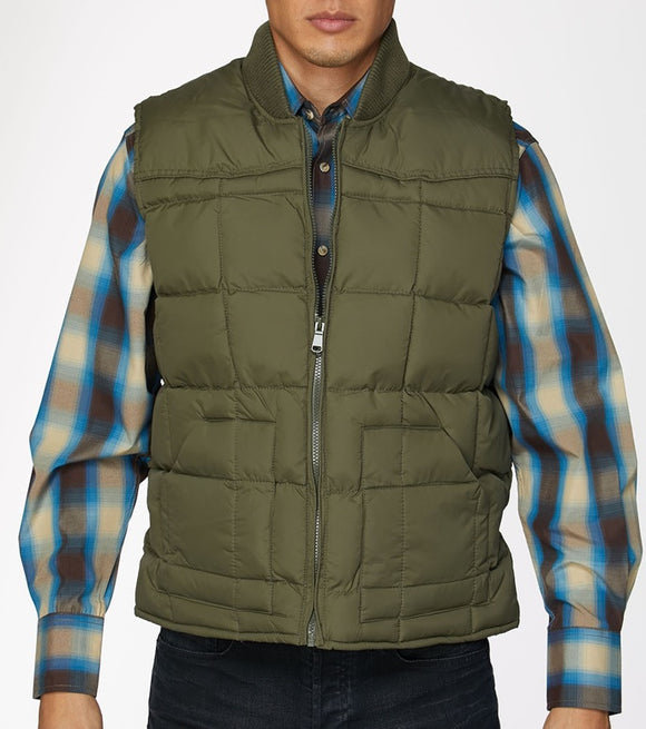 CHALECO DE RODEO DE PLUMA DE GANZO COLOR VERDE. MENS'S RODEO COLLECTION VEST FILLED W/ DOWN OLIVE COLOR , HerraduraDeOro - HerraduraDeOro