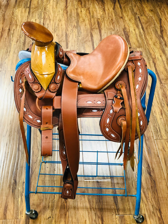 Montura Para Niño De Charro. Kids Tan & White Mexican Charro Saddle