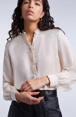SET Delicate Blouse with Frill Collar