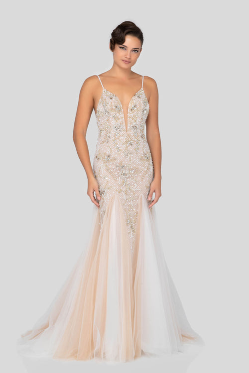 Prom Gown with beaded and tulle. Robe de bal avec des cristaux