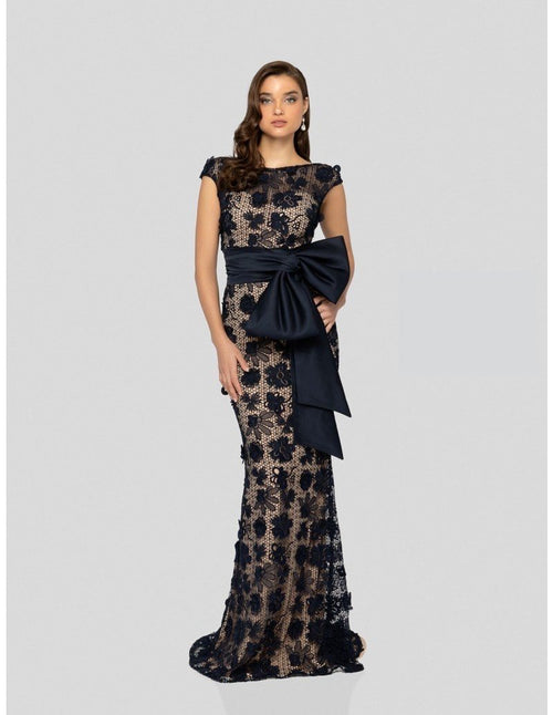 Robe de soiree bal en dentelle. Lace prom dress