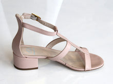 DEE KELLER Laurel Shoe Horizontal Band Nude. Sandale