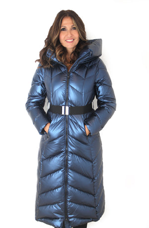 Manteau avec capuche Sandra Long Puffy Coat with Hood and Belt.