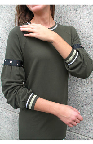 Knit Dress with Long Sleeve Detail Khaki. Robe en tricot