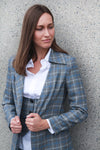 Single Breasted Asymmetric Plaid Blazer. Veste à carreaux