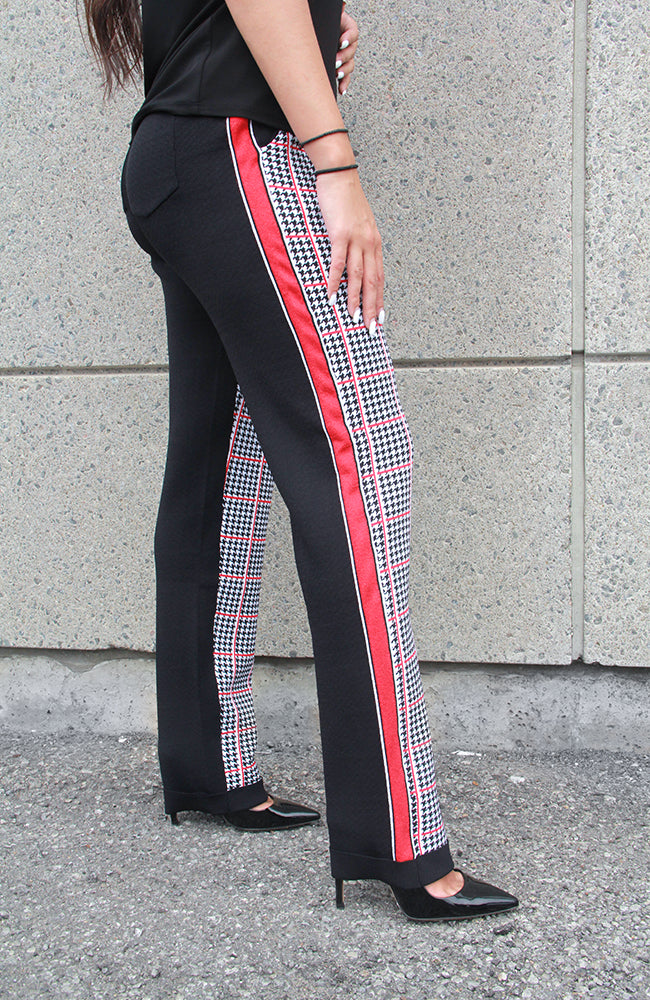 Jacquard Knit Pant with Metallic Braid. Pantalon en tricot jacquard métallique