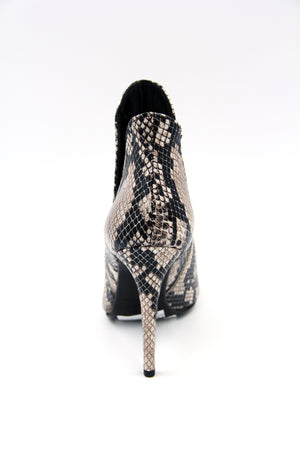 Georgia Leather Heeled Boot with Side Opening Snake print Boutillon en cuir