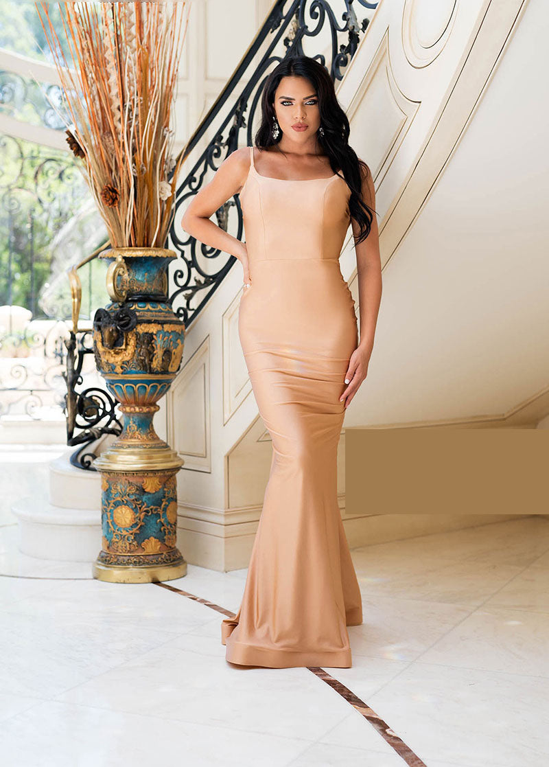 JESSICA ANGEL Fitted low back Gown with train. Robe de soirée