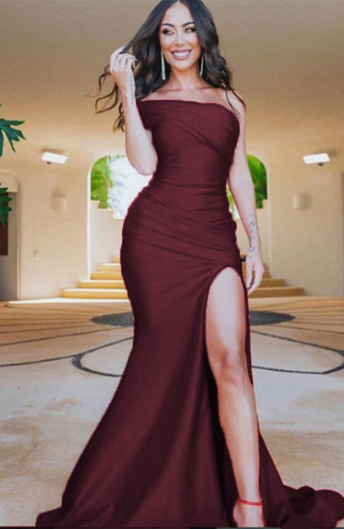 Robe de soiree rouge Jessica Angel One Shoulder Gown with Front Sash Burgundy