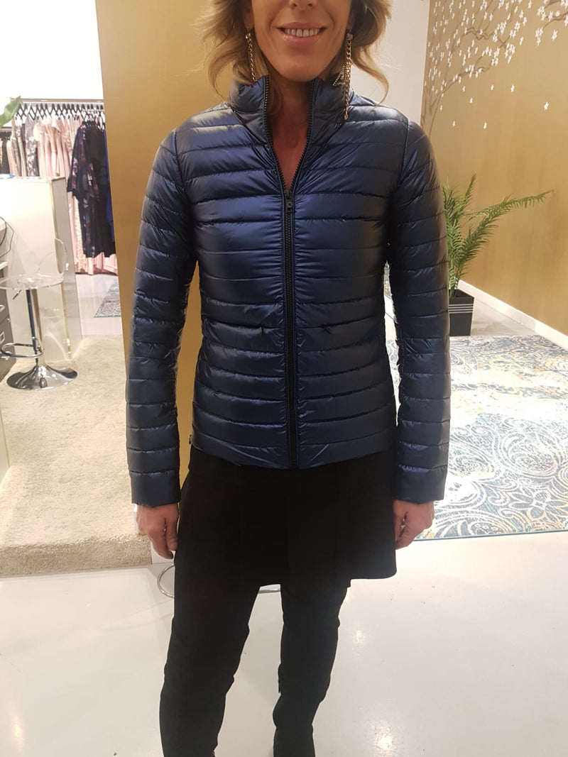 MIA Long Sleeve Puffy Jacket. Veste d'hiver