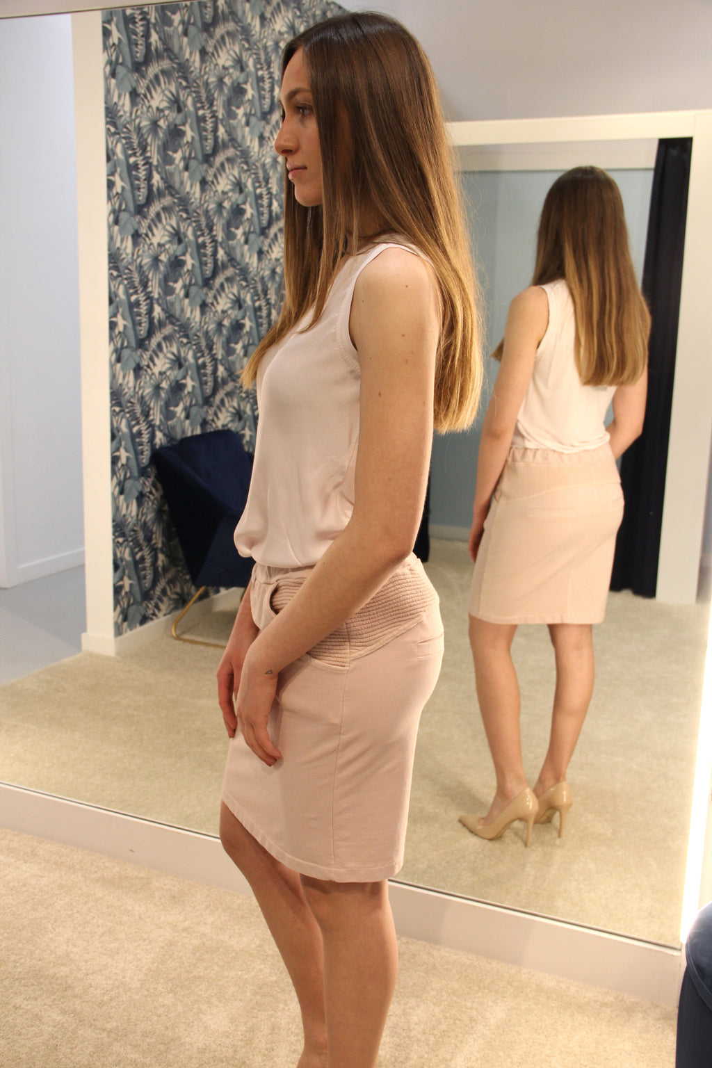 Terry Mini Skirt with Ribbed Detail Rose. Mini jupe avec détails rose