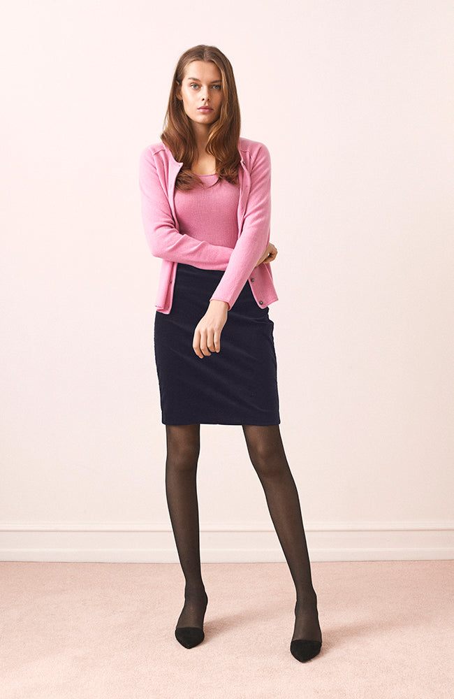 Velvet Stretch Pencil Skirt. Jupe crayon en velours