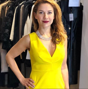 Greta Constantine Fitted Yellow Dress Robe jaune Slim Fit col en v