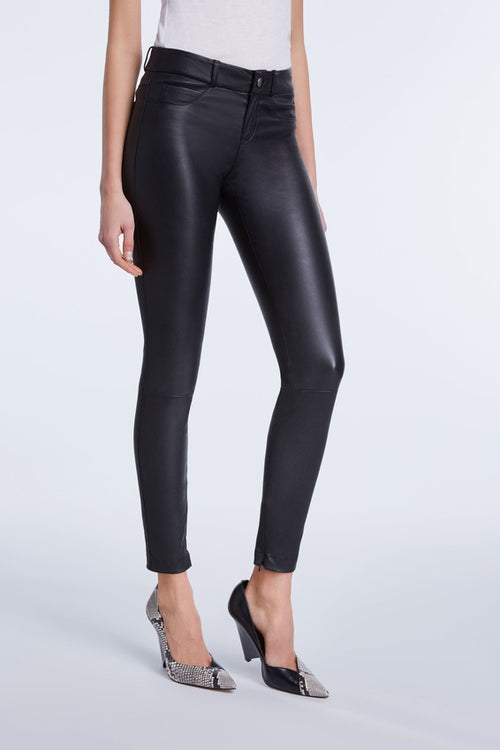 Set Black Leather Skinny Dakota Pants. Pantalon en cuir noir. Cuero Negro