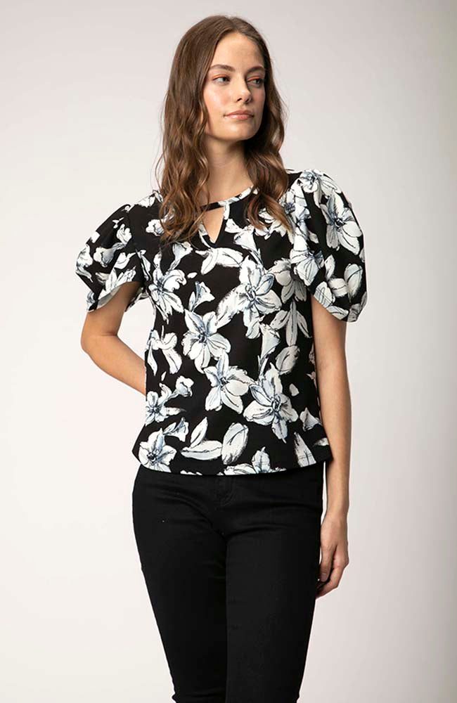 Top in Floral Pattern Black & Gray. Haut florale noir et gris