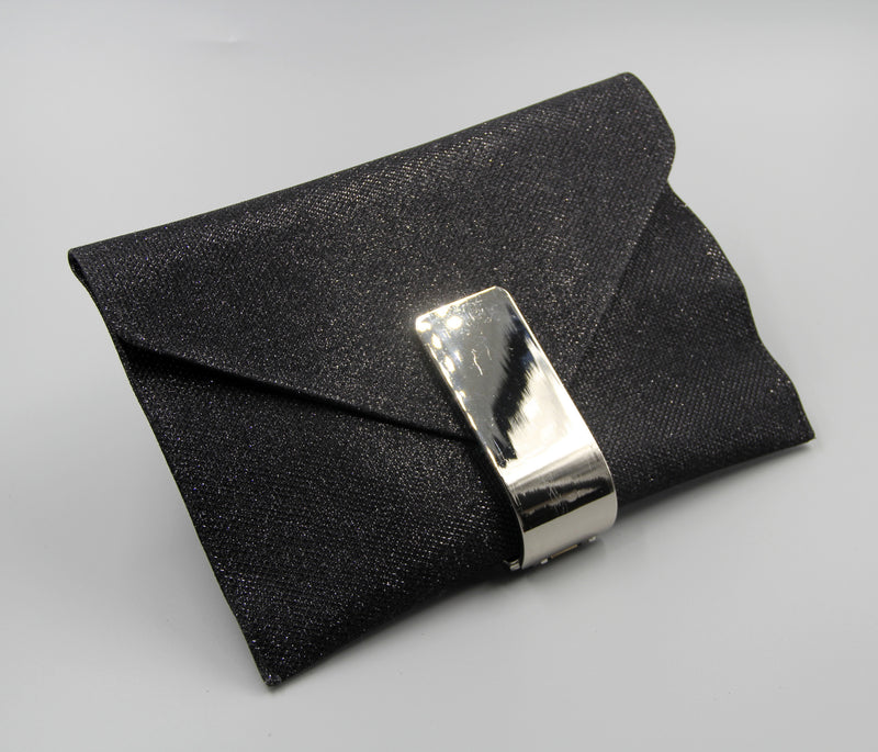 Envelope Style Glitter Clutch with Metal Buckle. Pochette brillant en noire