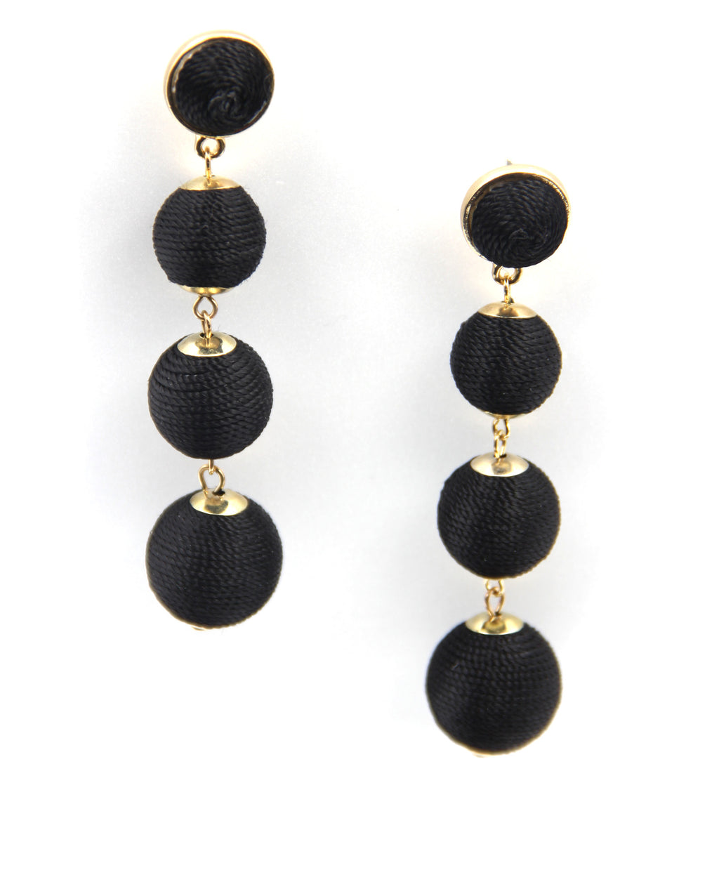 Drop Ball Earrings in Black. Pendants d'oreilles à sphères en noire
