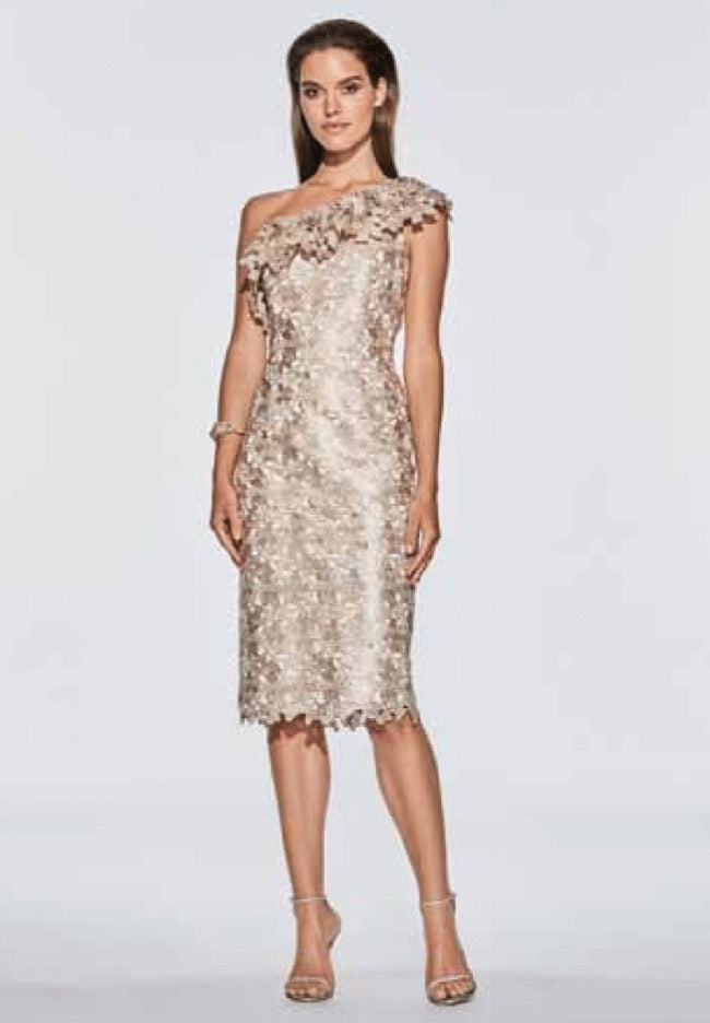 FRASCARA One Shoulder Guipure Lace Dress. Robe de soirée en dentelle