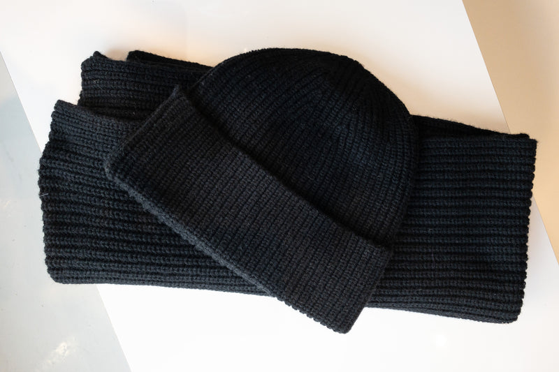 SET Knitted Hat and Scarf Wool Cotton Mix Black