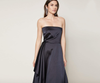 SACHIN & BABI Strapless Gown with Side Ruffle. Robe sans bretelles avec volants