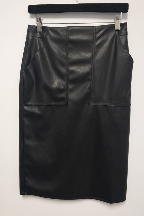 FrogBox Vegan Leather Skirt. Jupe en semili cuir noir