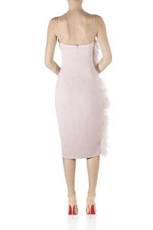 MISHA Collection Midi Dress with Ostrich Feather. Robe de cocktail avec des plumes