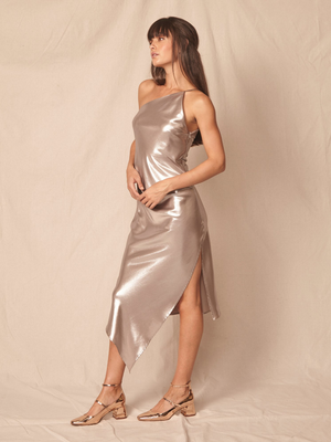 Robe de satin longue ALLEN SCHWARTZ One Strap Lamé Dress Platinum. Robe de satin longue