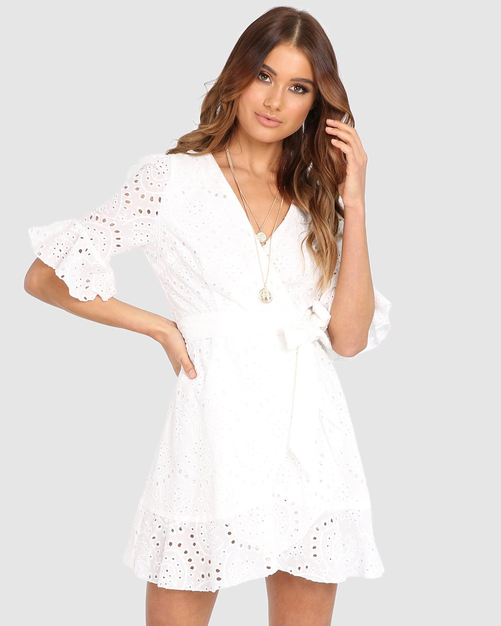 White Cotton Wrap Dress. Robe blanche par Lost in Lunar