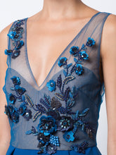 Marchesa Notte Embroidered Sequined Column Gown. Robe longue à ornements brodées