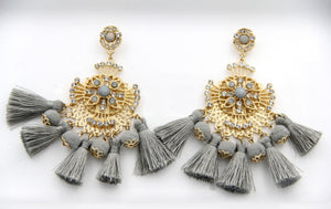 Crystal & Fringe Drop Earrings. Pendants d'oreilles à frange
