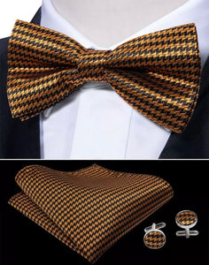 40217472bfbb Men's Pre-Tied Silk Bow Tie Set - Black and Gold Check – Uylee's ...