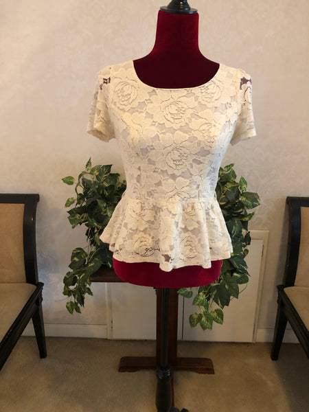 Hearts Brand Lace Fitted Blouse, Size Medium