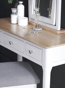 Nordic Bedroom Dressing Table