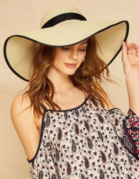 Contrast Floppy Hat with Bow Accent