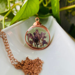 "LILAC WILDFLOWER NECKLACE 30"" CHAIN"