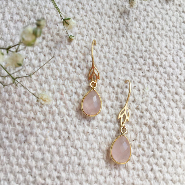 ROSE QUARTZ IRIS EARRING GOLD
