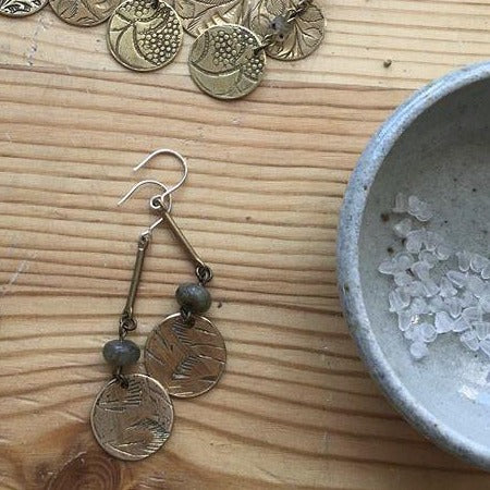 DROP COIN EARRING