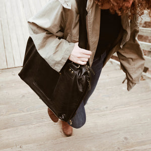 USA made leather totes perfect for Business Travel and Leisure