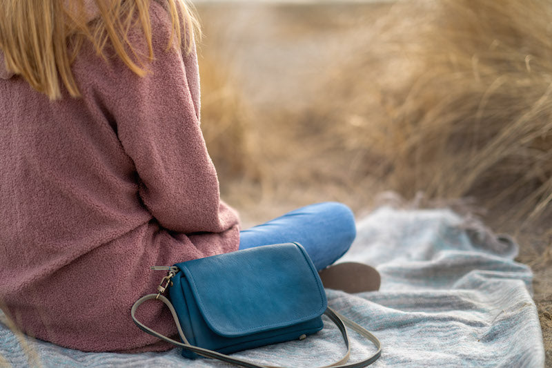 The Kámen Road Leather Handbag made in the USA with the best American made leather to ensure the best quality over mass quantities. Carry What You Love is our mission and motto for meaningful travel..