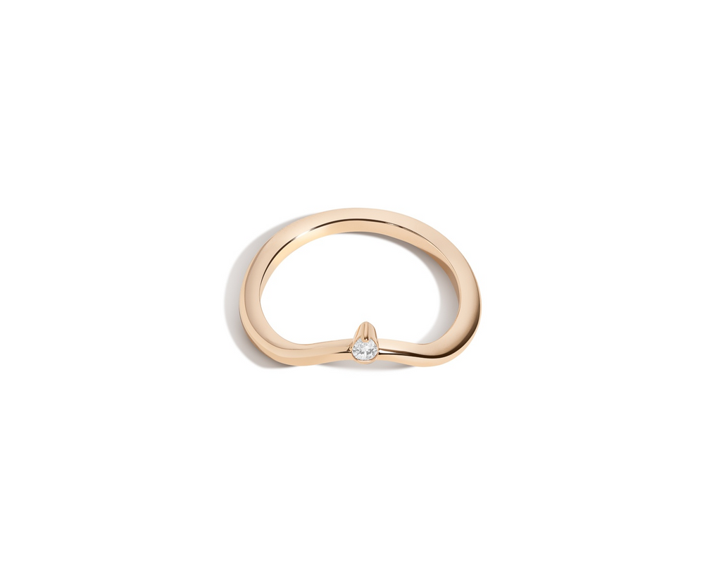 Curved Band with Pear