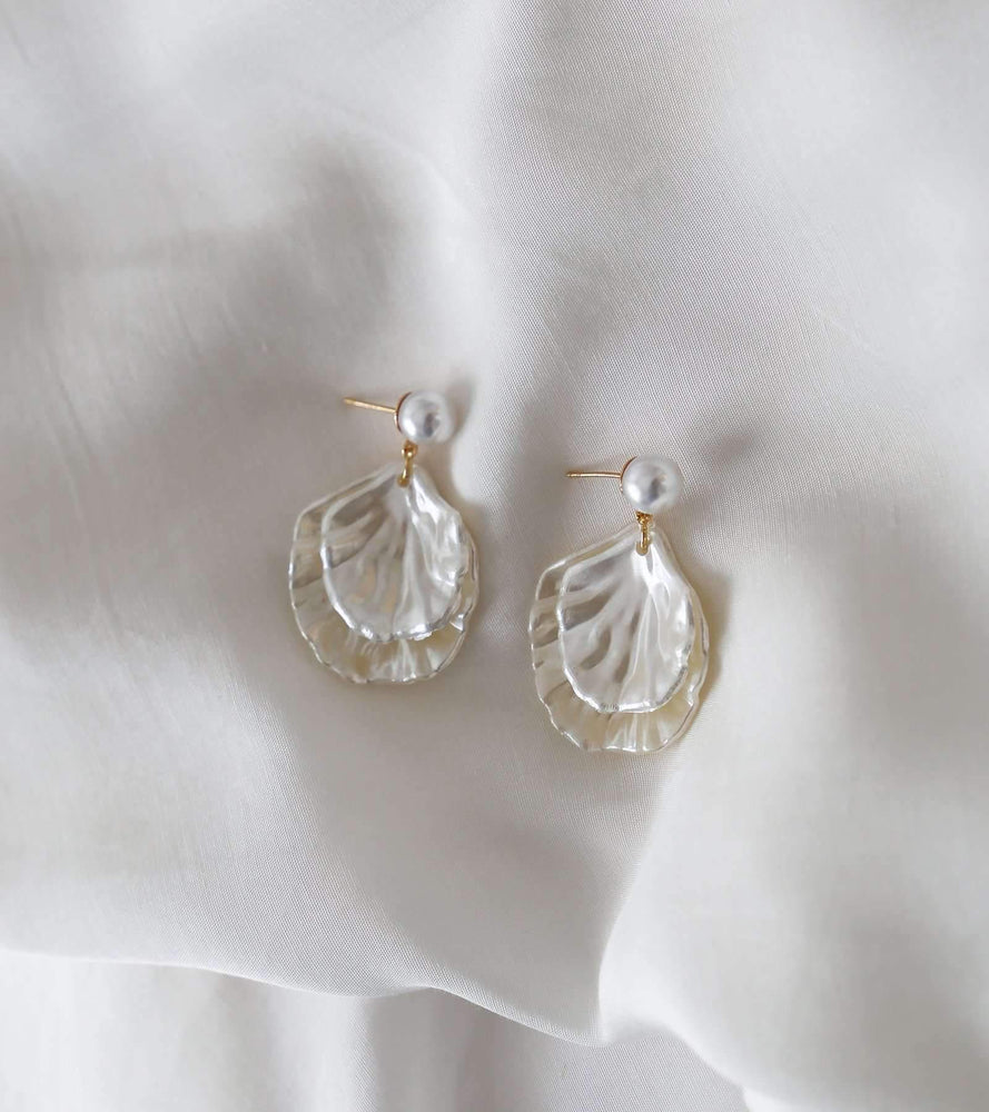Boston - Pearl Drop Earrings