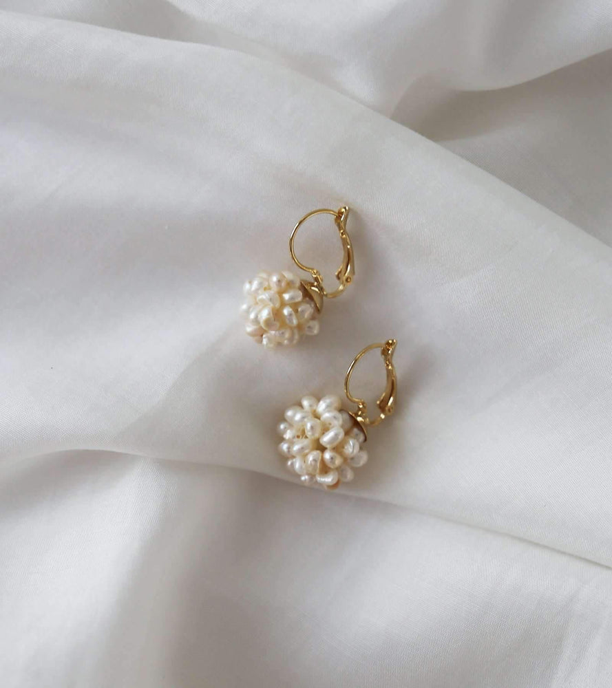 Cruz Cluster Pearl Earrings