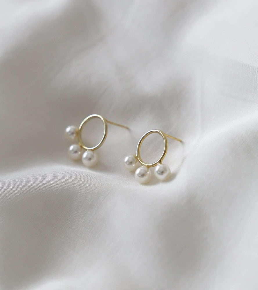 Hera - Pearl Stud - earrings - monday merchant