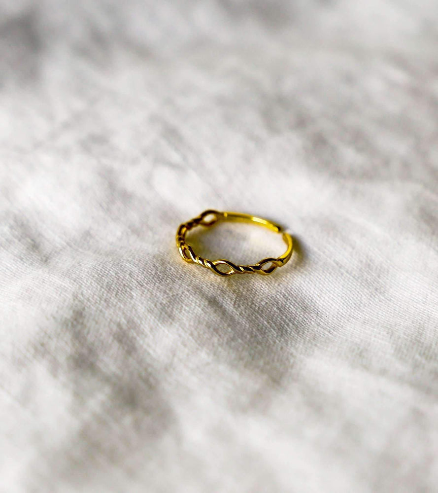 Little Wire Ring - Gold