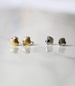 Mini Conch Studs - Silver - earrings - monday merchant
